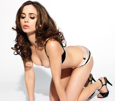eliza-dushku-maxim-magazine-march-2009-1